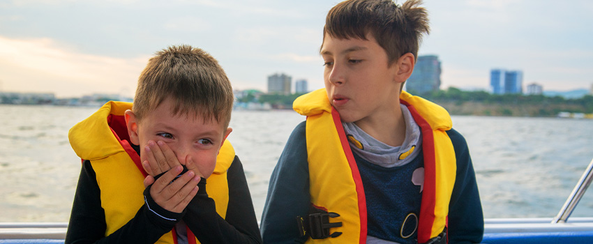 9 Tips to Prevent Getting Seasick On Your Dolphin Cruise